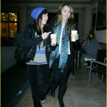 miley-cyrus-starbucks-sweet-01