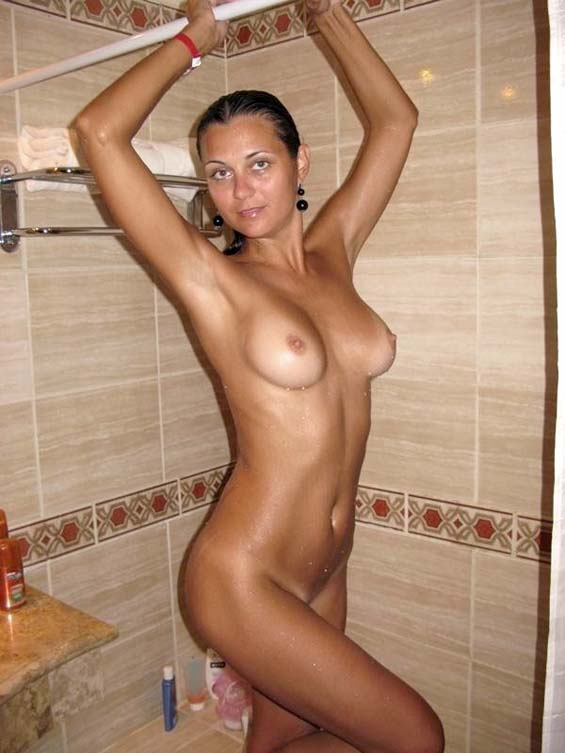 Teen shower nude