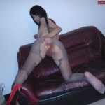 asian_spreading_pussy_115
