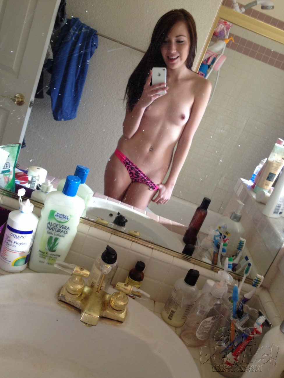 Self Shot Topless Pics Of 18 Year Old Niki  Nude Amateur -6286