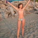 naked_beach_girl_13