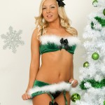 aaliyah_love_xmas_stockings_02