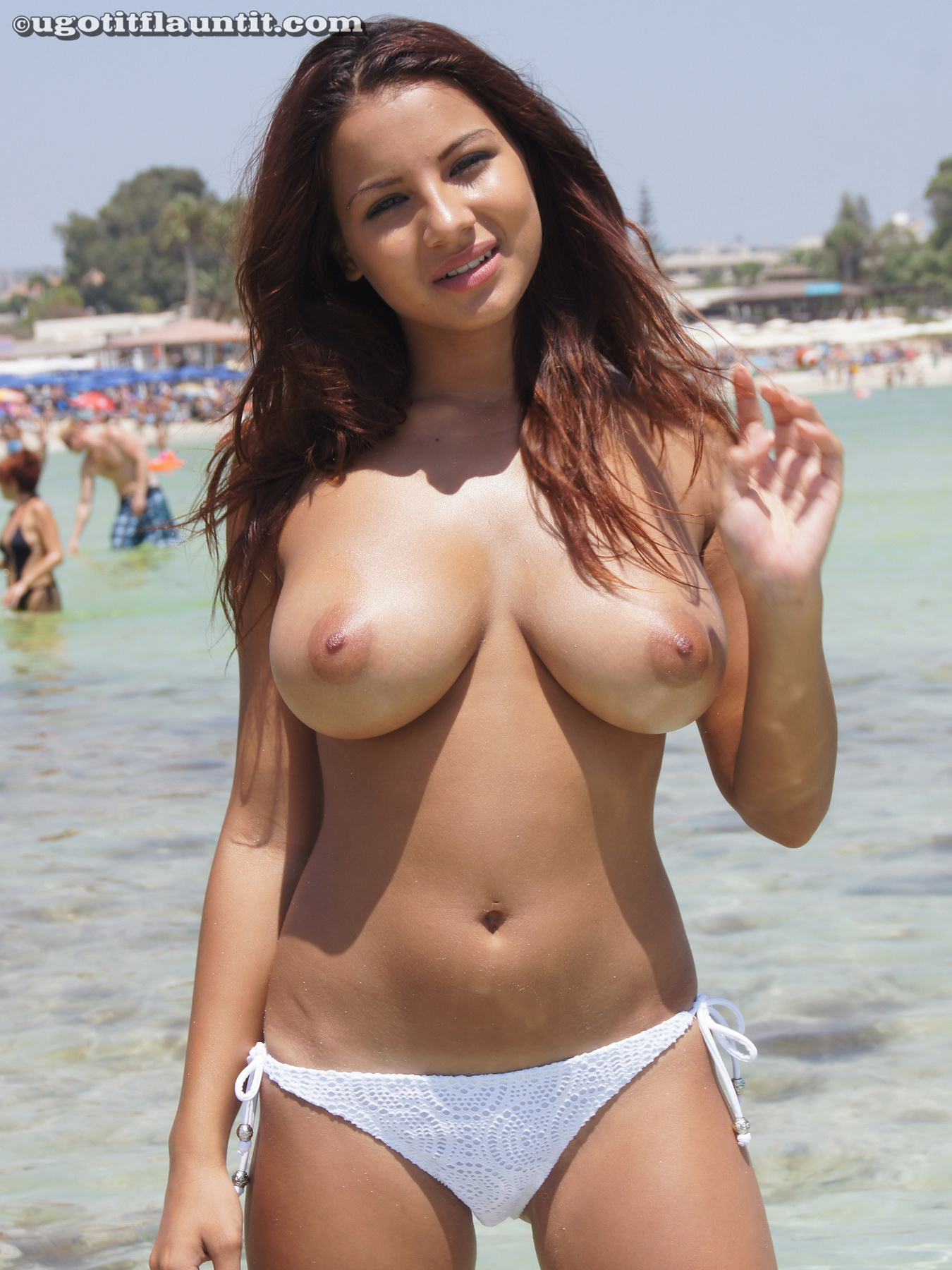 Big boobs on sexy topless amateur beach babe | Nude ...