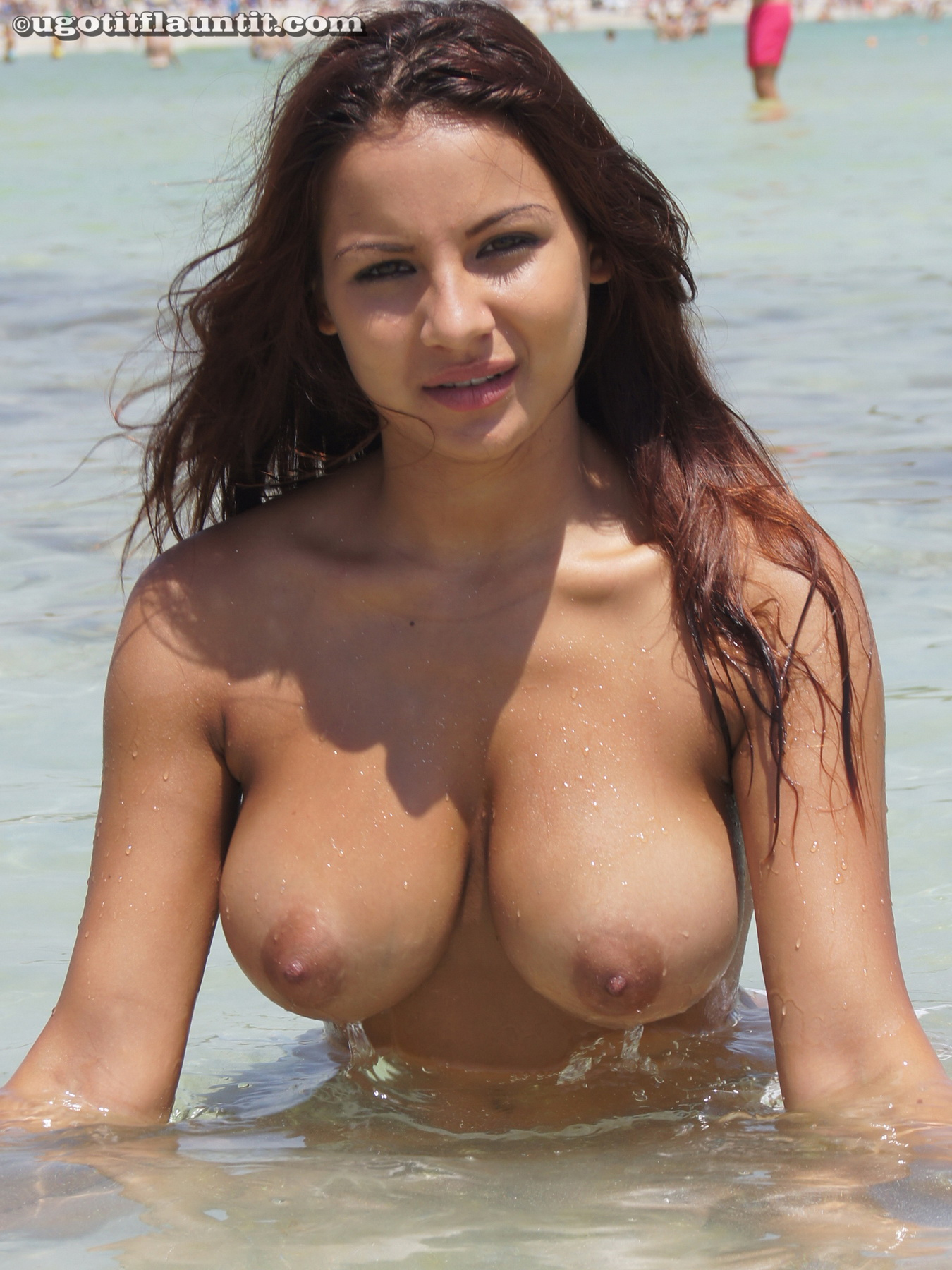 Big Boobs On Sexy Topless Amateur Beach Babe  Nude -8968