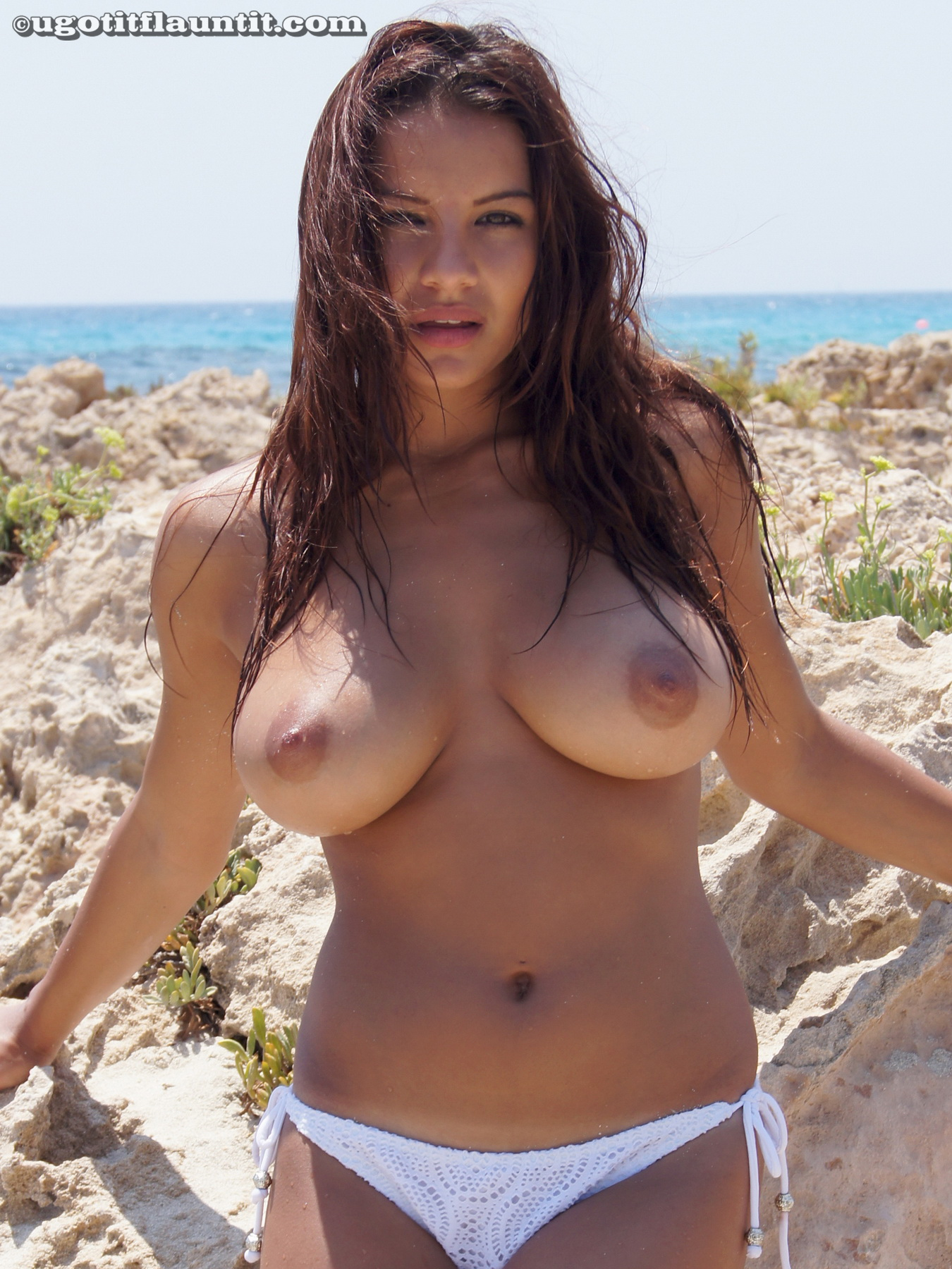 Big Boobs On Sexy Topless Amateur Beach Babe  Nude -1826
