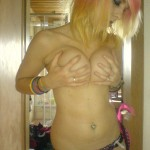 topless_german_emogirl_02