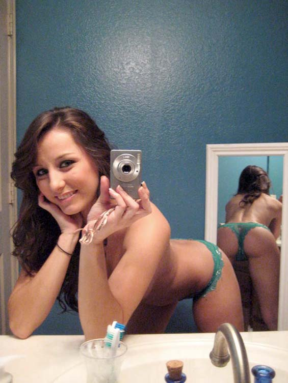 young girl nude mirror pic