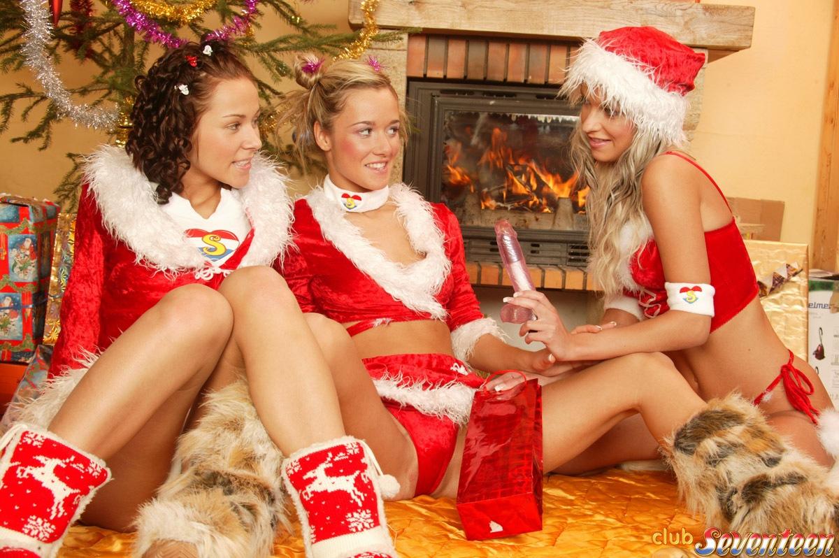 Club Seventeen happy lesbian Christmas orgy | Nude Amateur Girls