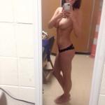busty_nude_selfies_03