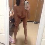 busty_nude_selfies_04