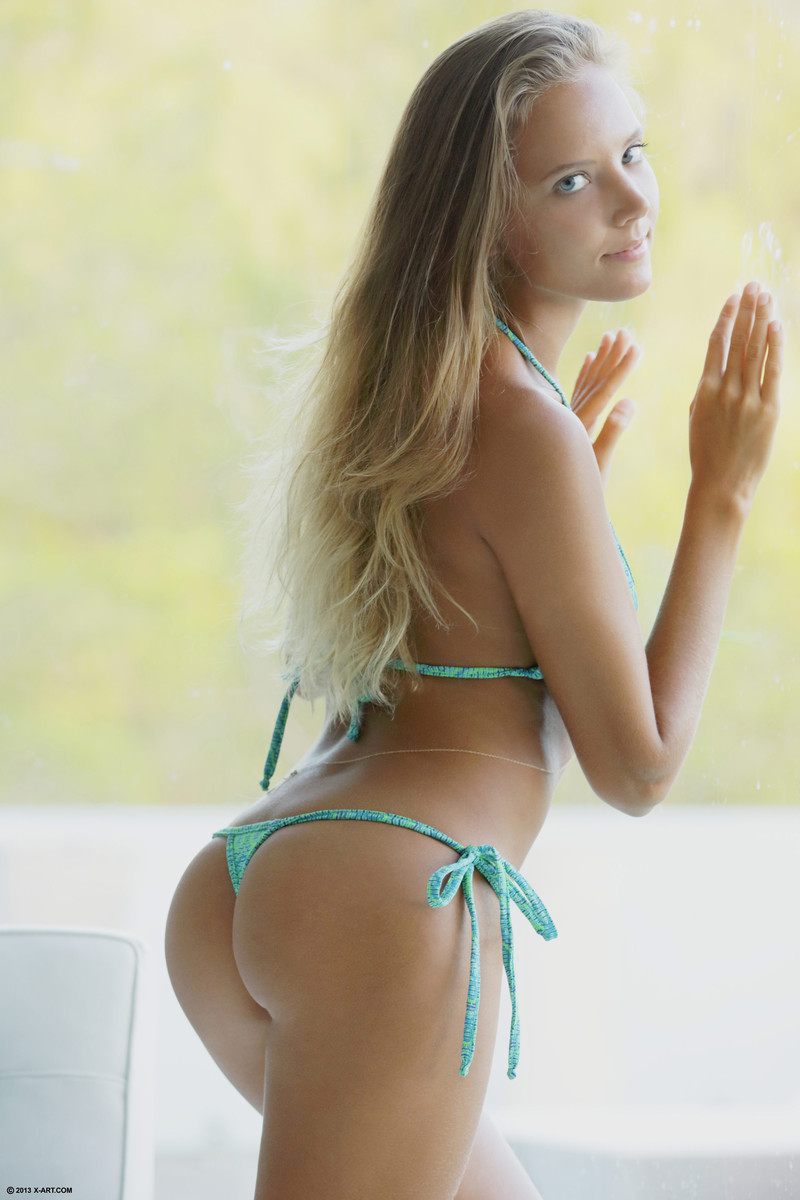 Girls in porn cute bikinis