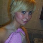 blondebathingteen_02