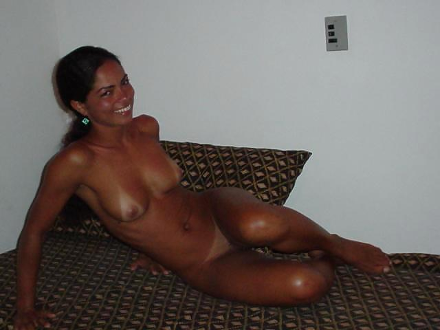 naked-mom-nude-dark-skinned-latinas