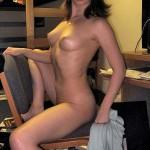 naked_dorm_girl_07
