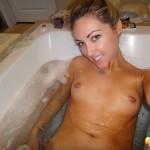 RealPeachez_bathtub_selfies_03