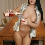 Mia_Manarote_champaign_in_pussy_001