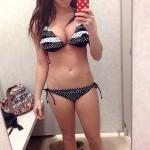 busty_dorm_girl_002