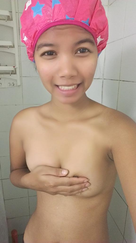 schoolgirls double fuck pics