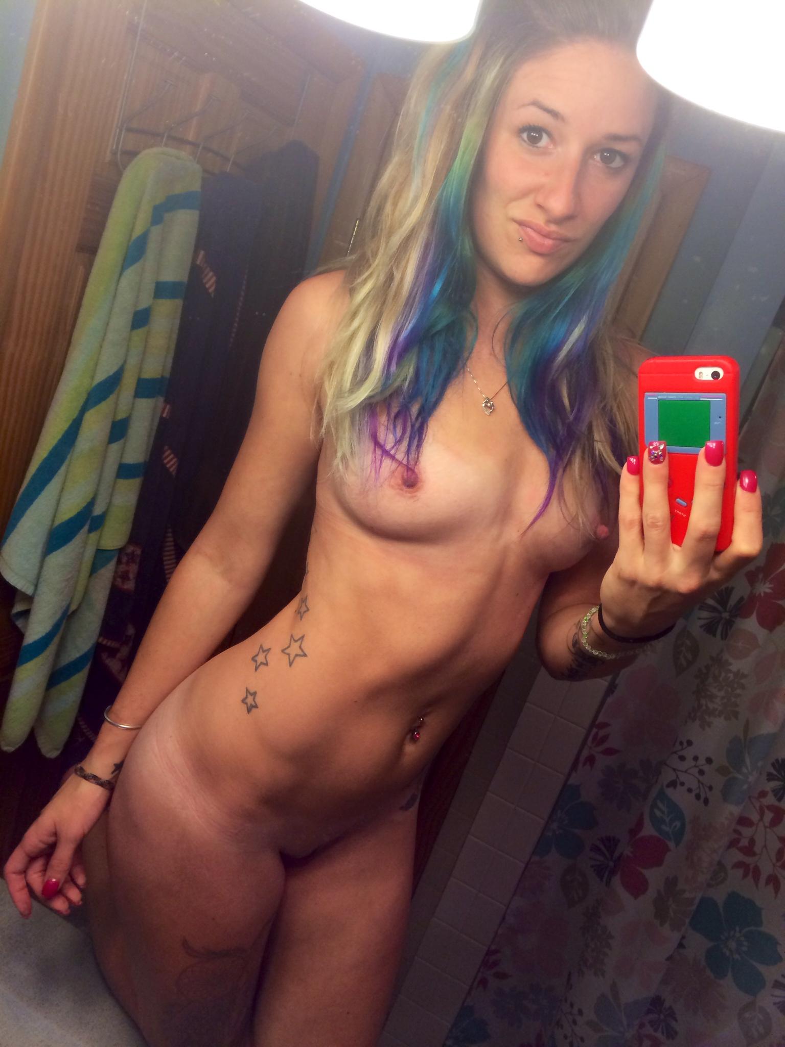 Emo Girlfriend Sara Naked Selfie Pictures  Nude Amateur Girls-7156
