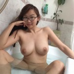 HarrietSugarCookie_BathtubSelfies_002