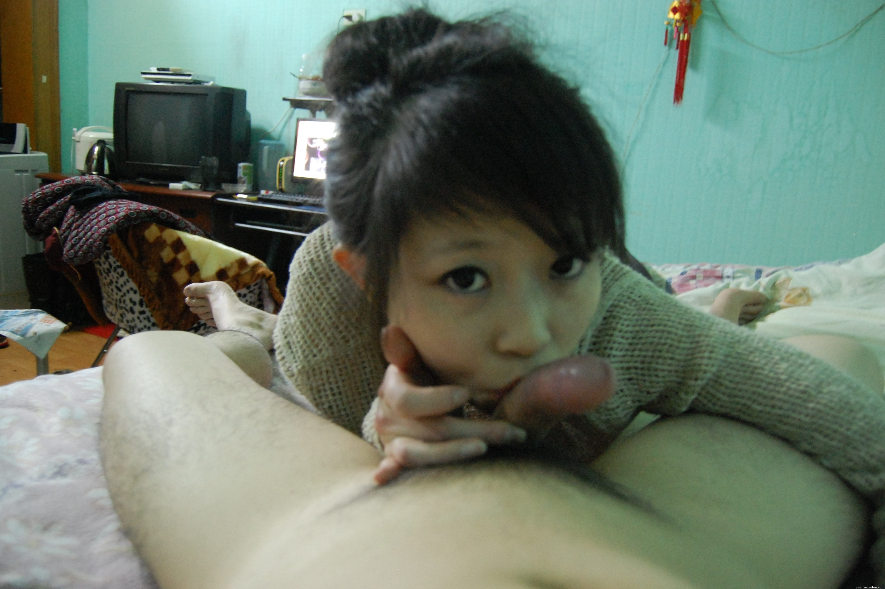 "cute asian teen girlfriend blowjob - Chinese amateur ""police girl"" giving a blowjob"