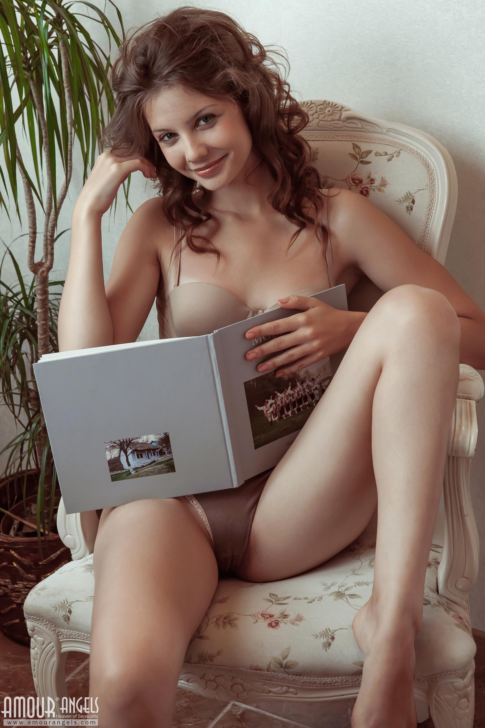 girl amour angel naked